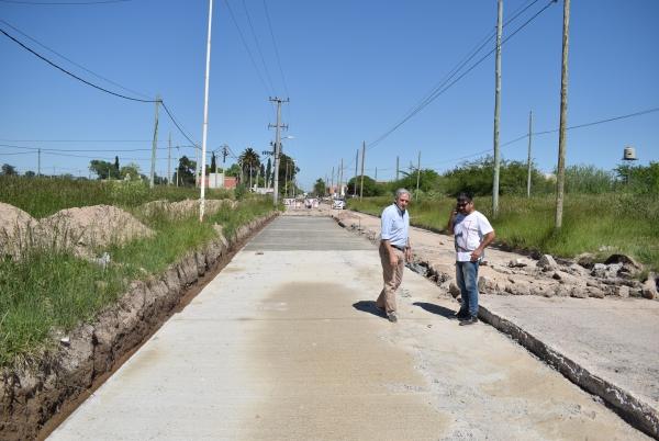En ChascomúsBuscan ayudar a recuperar un centro comercial, con asfalto y luminarias