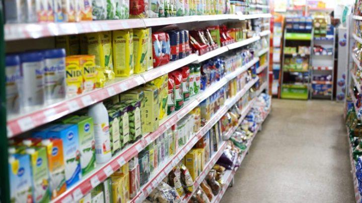 """El gobierno acordó con supermercados una """"lista navideña"""" y la prórroga de Precios Cuidados"""