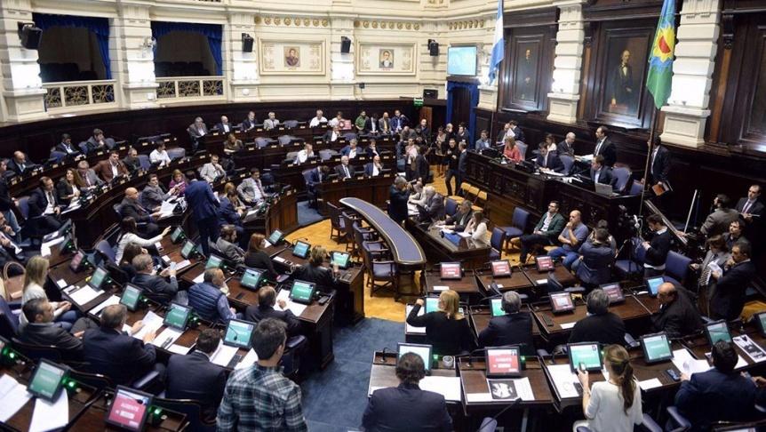 Entrega de diplomas en la LegislaturaEl radicalismo se ilusiona con las chances de Alejandra Lordén