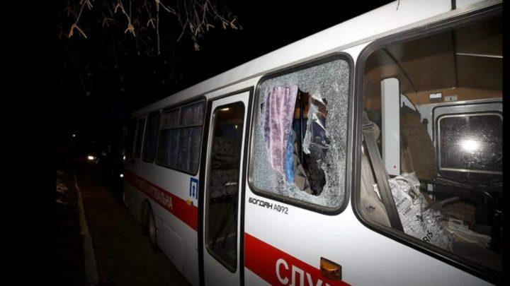 Permanecerán en cuarentena dos semanasEl micro que llevaba a los argentinos evacuados de China fue apedreado al llegar a Ucrania