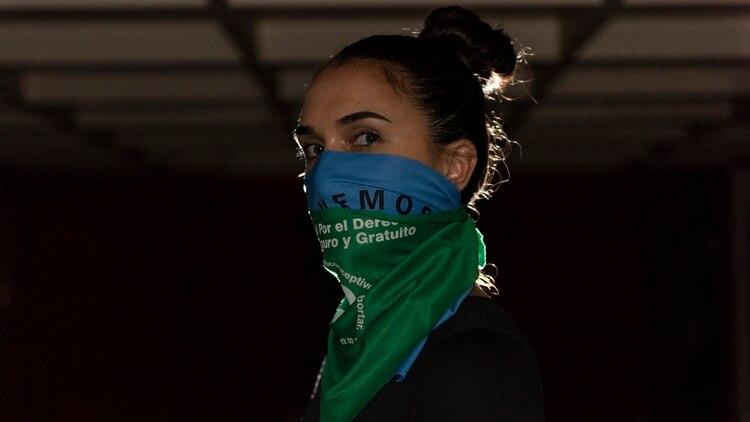 Espía feminista: La argentina que fingió un embarazo para develar cómo opera la red internacional que busca impedir abortos