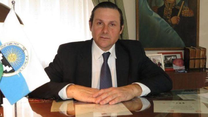 En DoloresCuestionan al intendente Echevarren: lo acusan desde el peronismo de perjudicar a los trabajadores