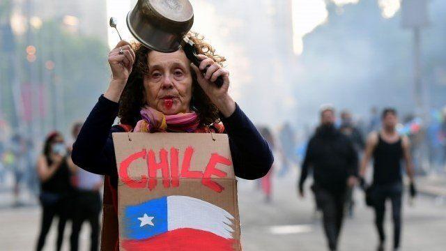Chile: un país convulsionado socialmenteAvanza un proyecto de ley que permitirá crear un fondo colectivo de pensiones, financiado por el Estado