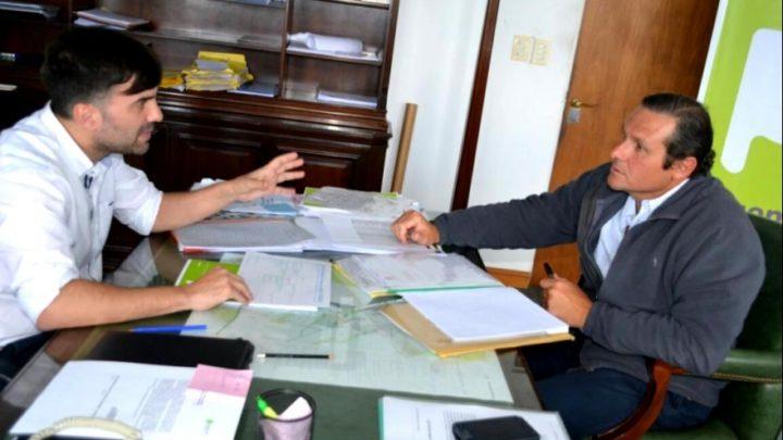 Echarren y Etchevarren, dos intendentes ante el Covid-19Mientras en Castelli se confirmó el primer caso, en Dolores ya suman cincuenta y crece la preocupación