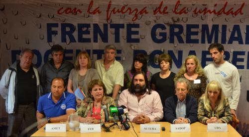 Negociación con KicillofEl Frente Gremial docente pidió una mejora salarial y el «blanqueo» de las sumas fijas que perciben