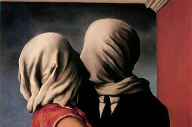 """En tiempos de incertidumbre y angustia, nada mejor que imágenes hermosasLos amantes"""", de René Magritte"""