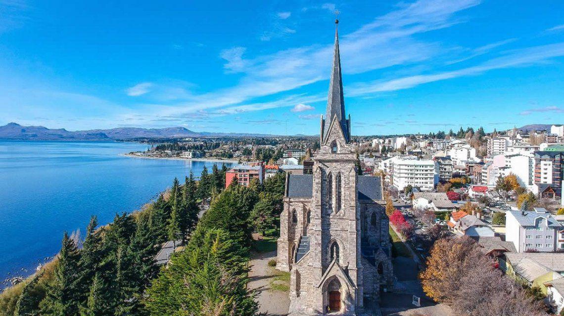 TurismoGuías de Bariloche proponen hacer turismo desde la seguridad del vehículo propio