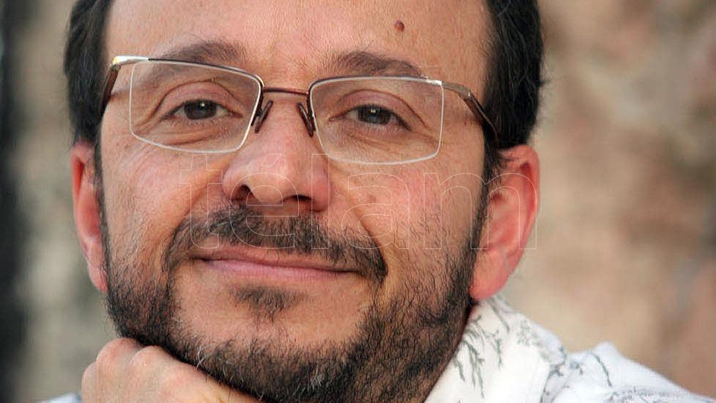 Escritor y librero tucumanoUn recorrido por las señas particulares del porteño, desde la mirada de Mario Kostzer