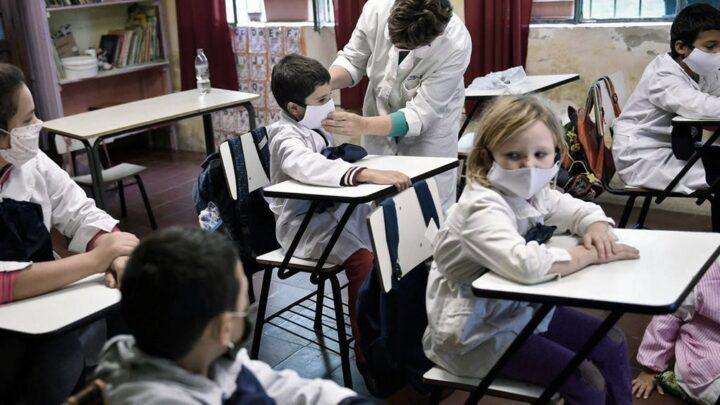 CoronavirusUruguay extendió la educación virtual hasta el 3 de mayo