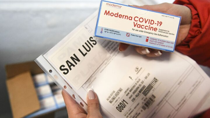En todo el paisDistribuyen la vacuna Moderna para adolescentes