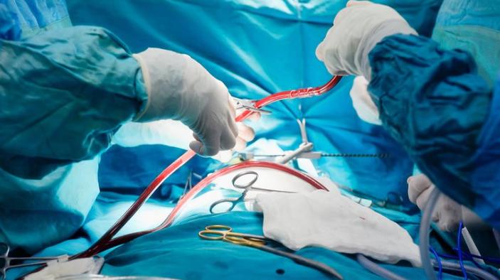 El innovador procedimiento se llevó a cabo en el ICBA Instituto CardiovascularSe realizó en la Argentina el primer implante de una válvula del corazón de forma ambulatoria