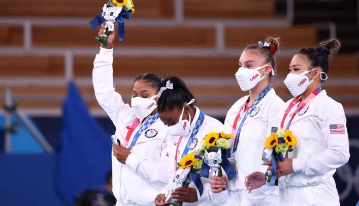 Ni dioses ni superhéroesLa lucha a contracorriente de los atletas olímpicos para priorizar su salud mental