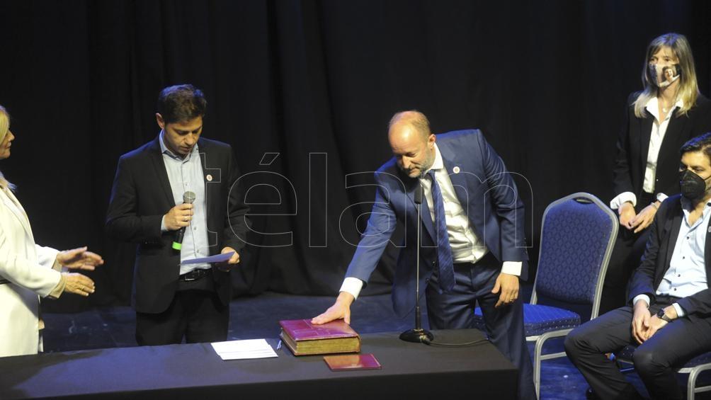 Renovación en el equipo BonaerenseKicillof tomó juramento a los ministros y los invitó a ser parte de «un gabinete militante»