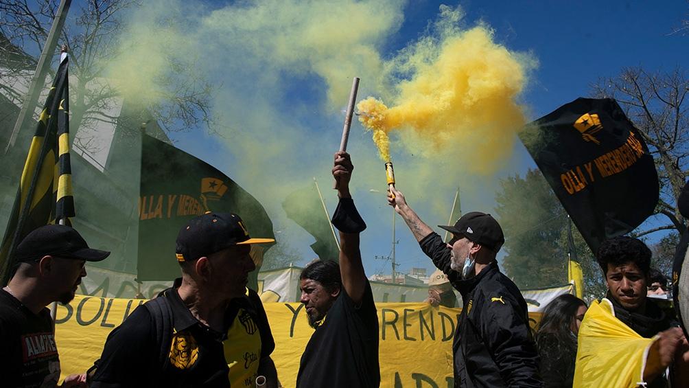 Por más trabajo y mejores salariosUna multitud concurrió al acto central por el paro general en Uruguay