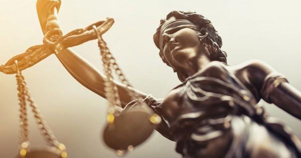Nota de opiniónLa Justicia en pugna: C.A.B.A. versus Nación
